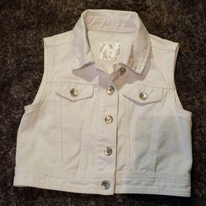 Justice Girls cropped jean vest size 8/10